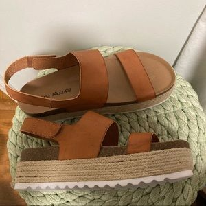 Dirty Laundry brown leather flat form sandals
